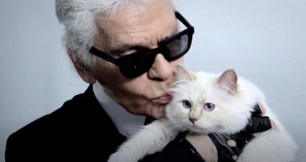 Карл Лагерфельд умер, легенды мировой моды больше нет