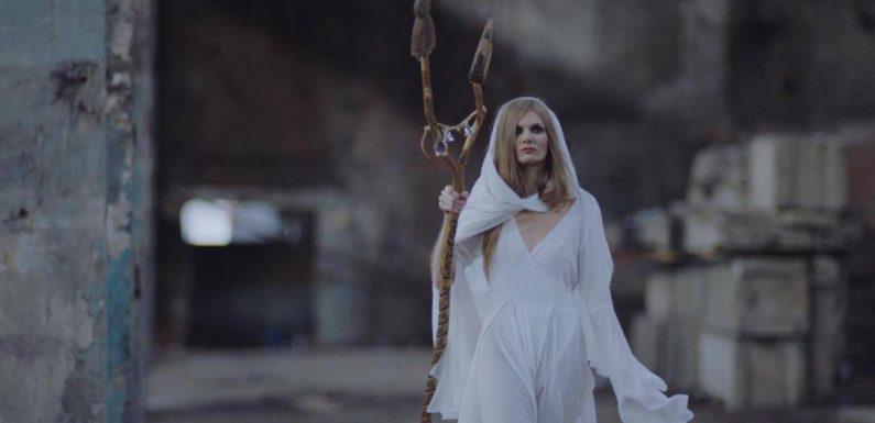 Oyme спела старинную дагестанскую легенду «Мать ветра»