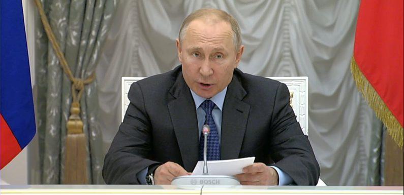 Путин надеется, что музыкальные школы ликвидировать не будут