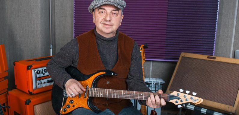 Песня Шахрина под гитару набрала за сутки более 700 тысяч просмотров