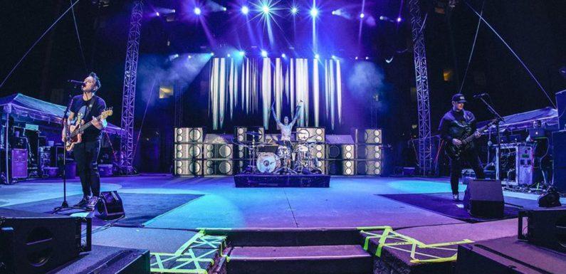 Blink-182 показал очень мрачный «Nine»