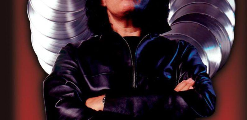 Kiss отменили концерт из-за проблем со здоровьем Симмонса