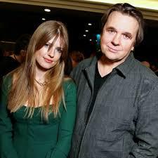 Жена Константина Эрнста ответила на обвинения в бездарности